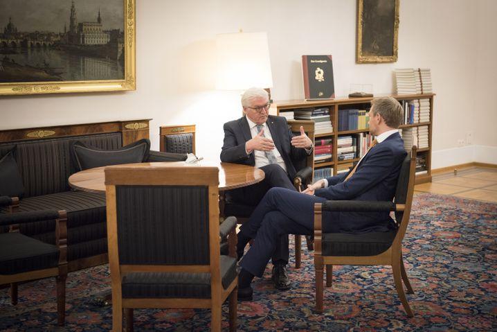 Bundespräsident Steinmeier mit Lindner im Schloss Bellevue
