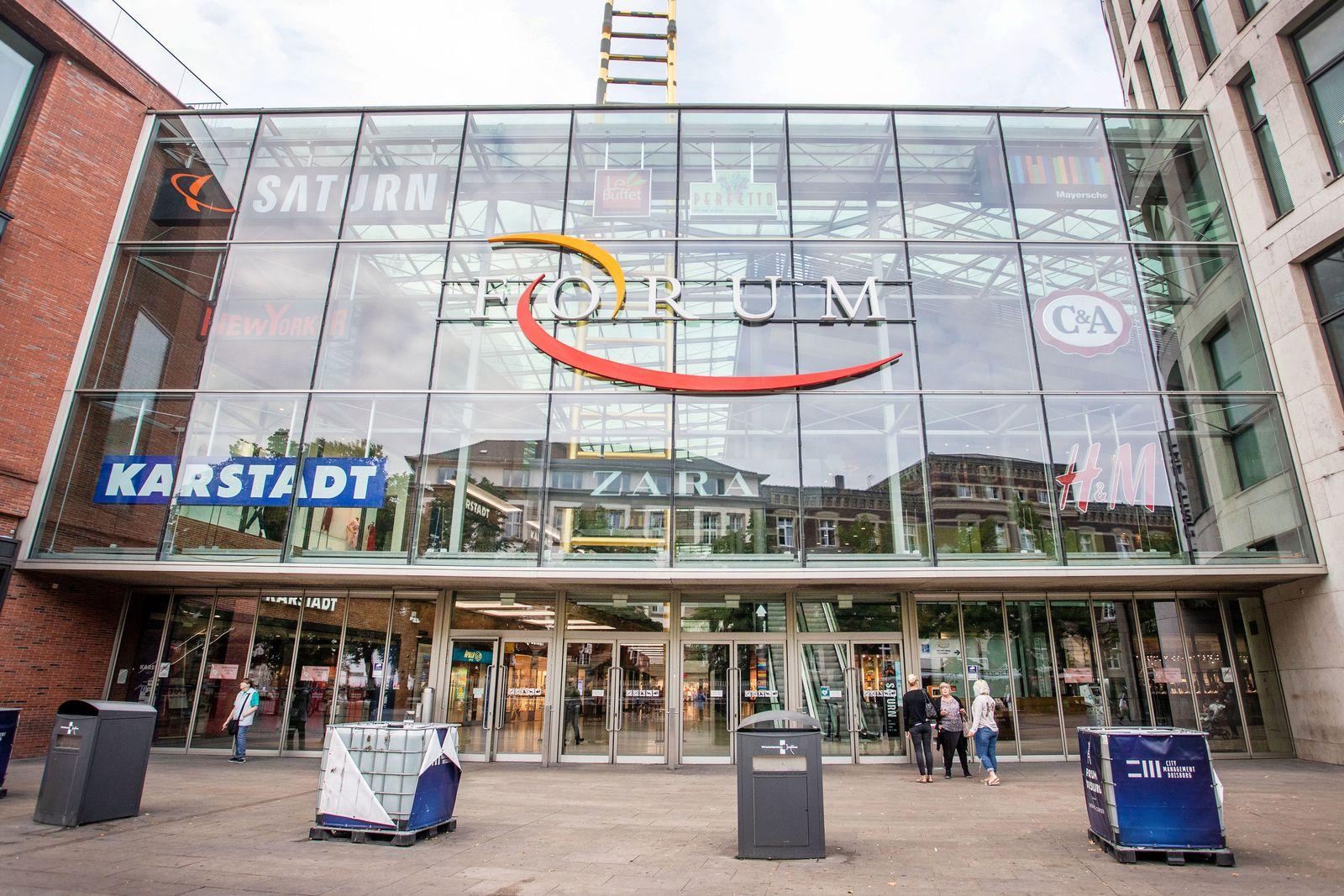Einkaufszentrum Duisburg/Bombenattrappe
