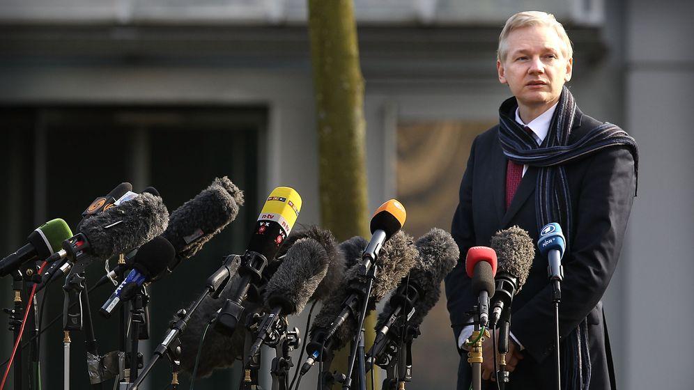 Photo Gallery: The WikiLeaks Leak