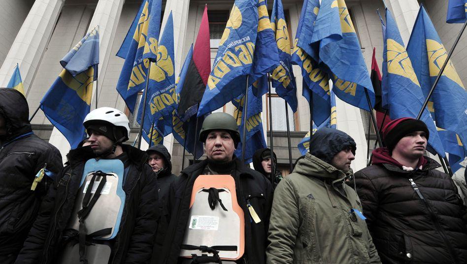 Swoboda-Anhänger: Freundschaftliche Beziehungen zur NPD