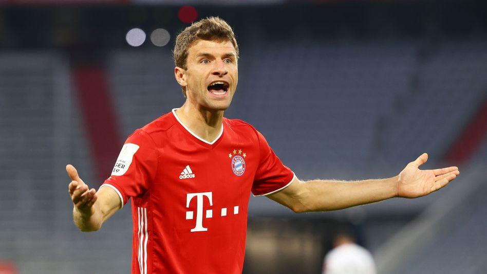 """Als """"pomadig"""" bezeichnete Thomas Müller das Halbfinale gegen Eintracht Frankfurt - dennoch schaffte es der Rekordpokalsieger ins Pokalfinale"""