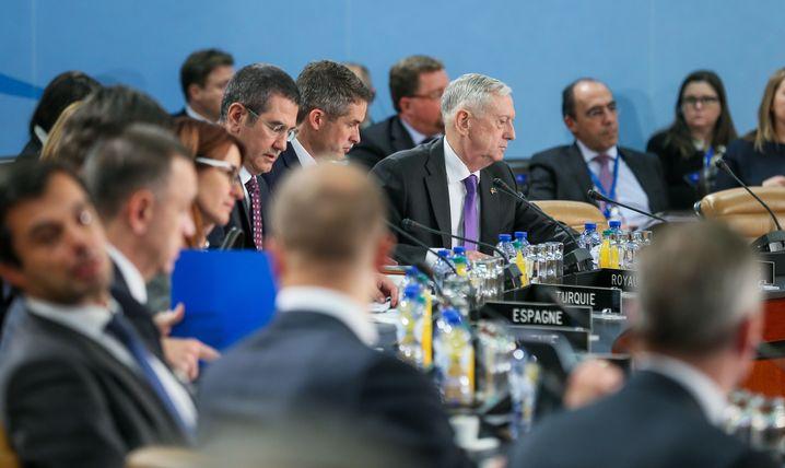 Nato-Verteidigungsminister in Brüssel