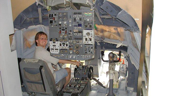 Selbstprojekt: Das Boeing-737-Cockpit in der Garage