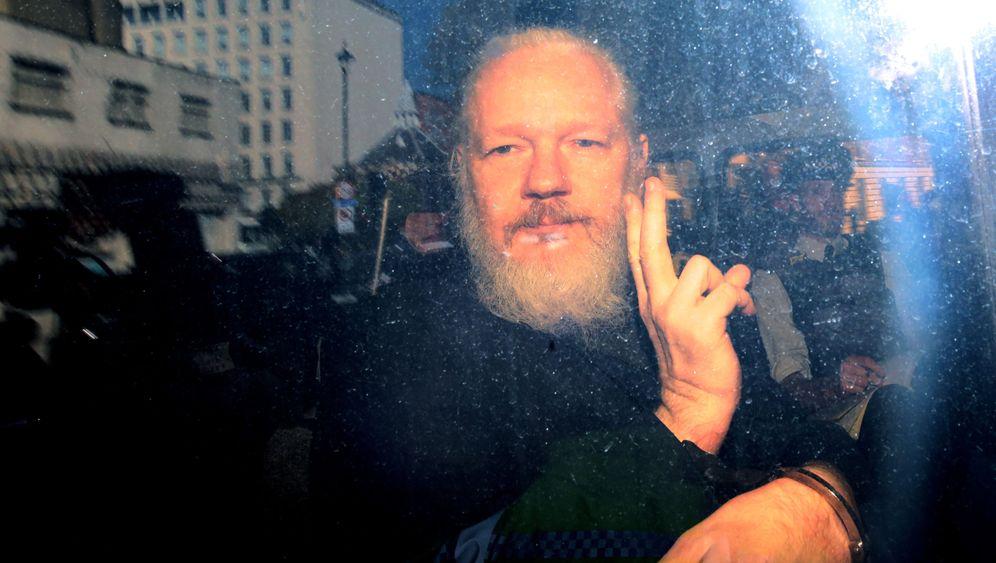 Julian Assange: Der WikiLeaks-Gründer in Bildern