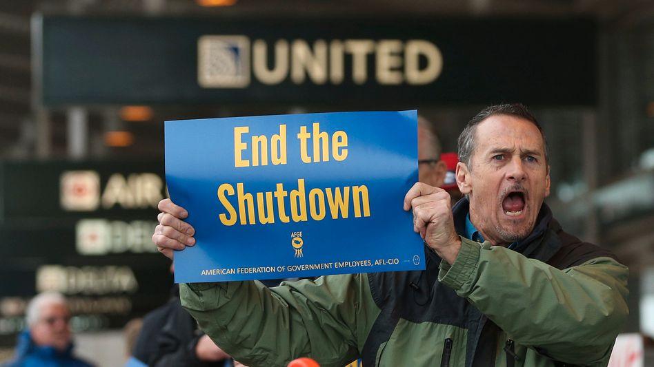US-Staatsangestellter protestiert gegen den Shutdown