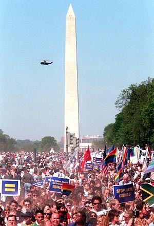 Aufmarsch von Schwulen und Lesben in Washington (Sommer 2000): Bushs Pläne spalten die Nation