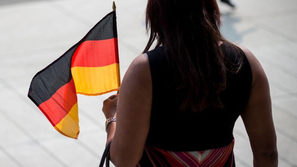 Frau bei einer Integrationsfeier in Dresden 2013