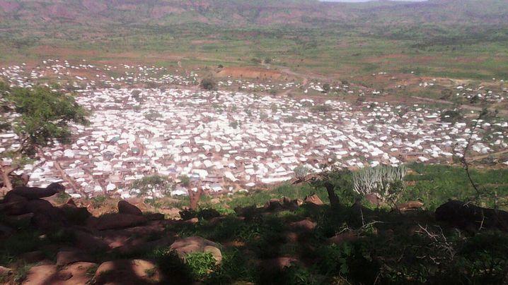 Improvisiertes Flüchtlingslager nördlich von Jebel Mara