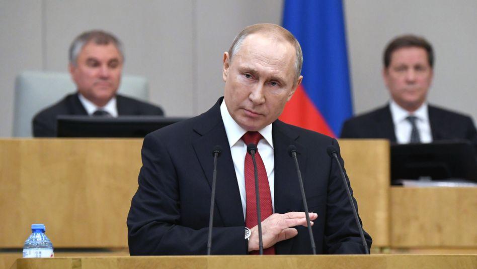 Wladimir Putin im Parlament