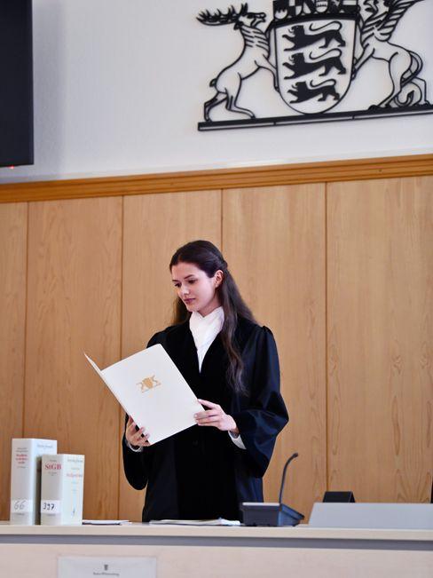 Wolf im Gerichtssaal: »Die Robe erzeugt eine gewisse Aura«