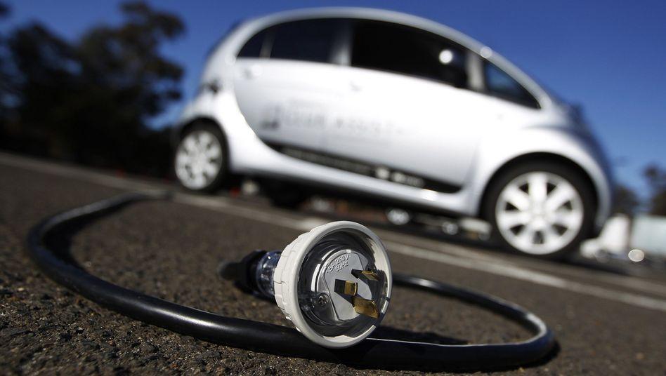 """E-Mobil mit Ladestecker: """"Elektroautos können nicht pauschal als leise bezeichnet werden"""""""