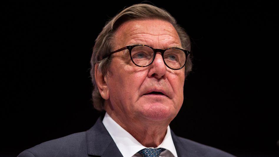 """Ex-SPD-Chef Gerhard Schröder: """"Ihr seid jetzt die Stärke und das Rückgrat unserer Partei"""""""