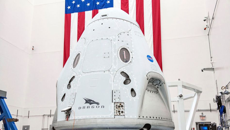 "SpaceX-Kapsel ""Crew Dragon"" für den Astronautentransport zur Internationalen Raumstation"