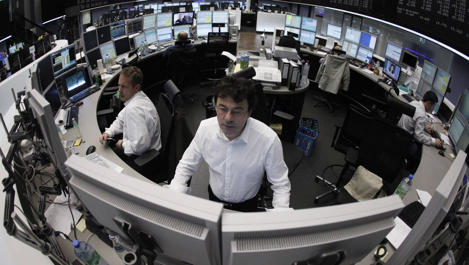 Traders at the Frankfurt Stock Exchange: Investors are opting for safety rather than yield.