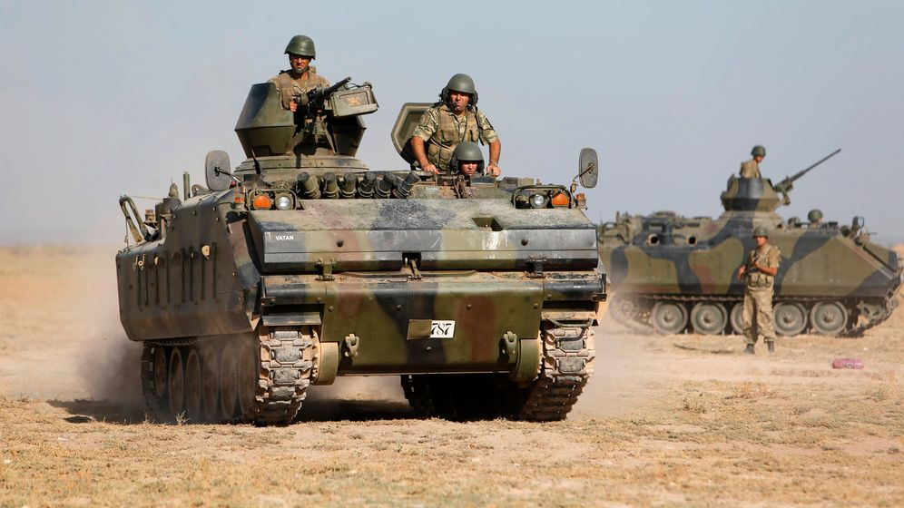 Photo Gallery: Turkey Flexes Muscles on Syrian Border