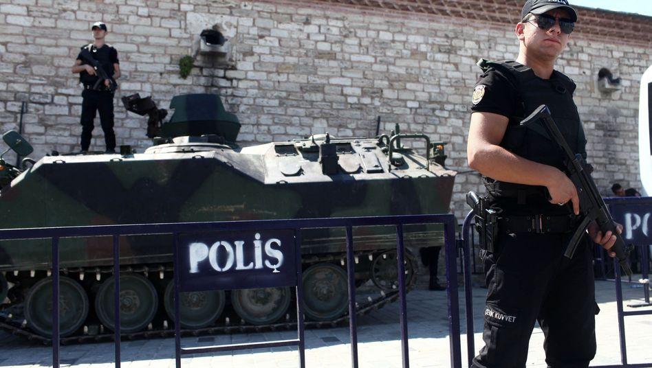 Nach Putschversuch: Zahl derFestnahmen in der Türkei steigt auf 6000