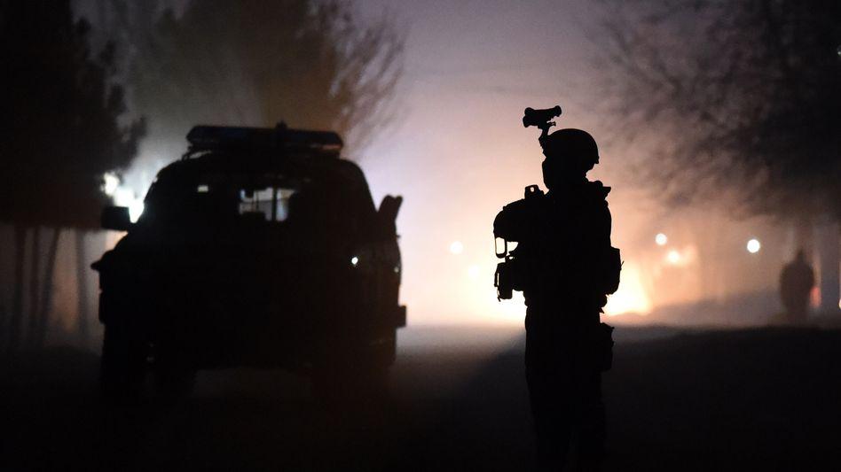 Afghanischer Polizist am Tatort: Anwohner berichten von Schusswechseln