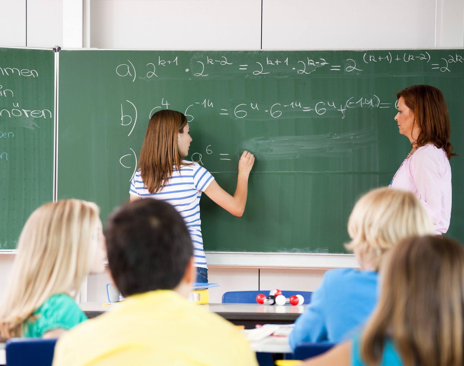 EINMALIGE VERWENDUNG Matheunterricht