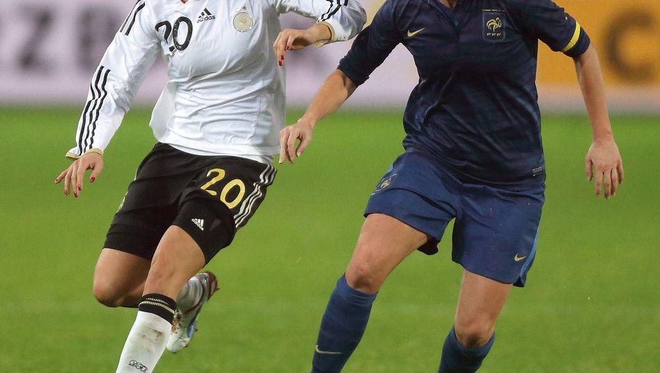 Deutsche Nationalspielerin Goeßling (l.): Unentschieden zum Jahresabschluss