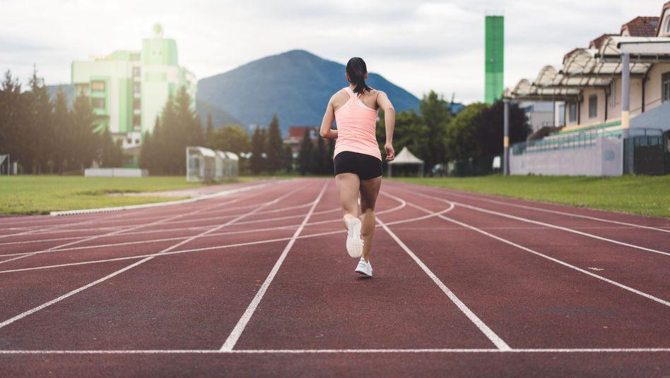 Rückenschmerzen bei Sportlern: Wenn das Iliosakralgelenk..