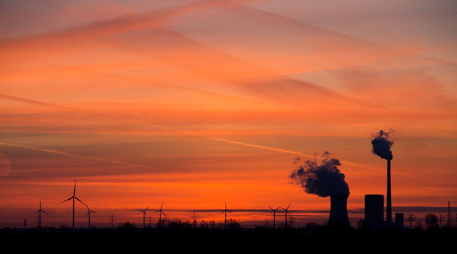 Sonnenaufgang Kraftwerk Mehrum