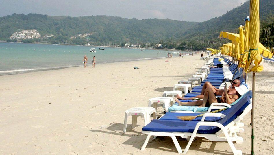Strand auf Phuket: Bei Thomas-Cook werden Thailand-Reisen teurer