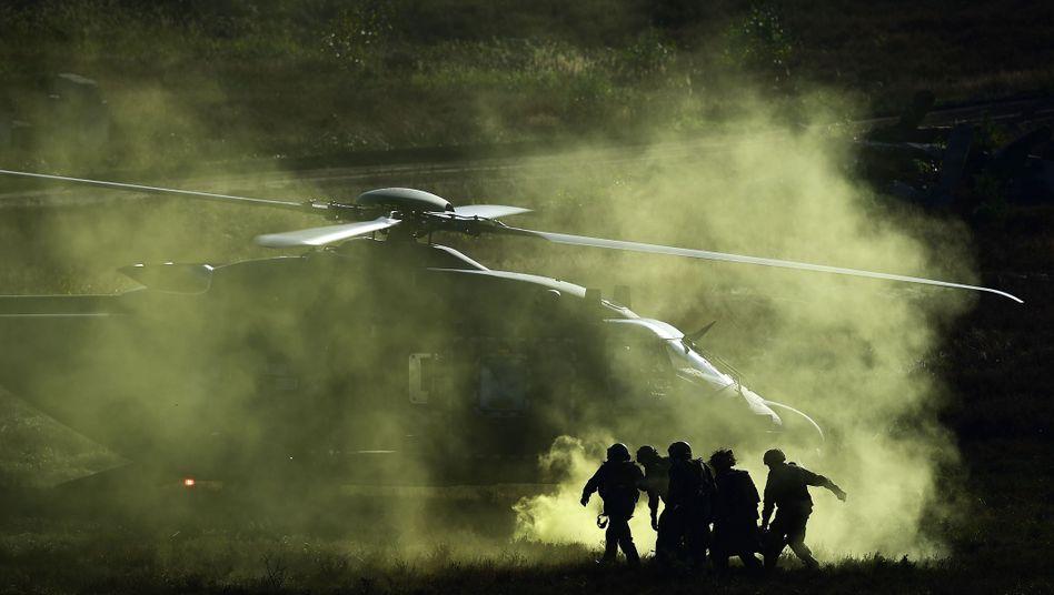 Bundeswehrübung: Deutsche Soldaten proben die Rettung eines Verletzten