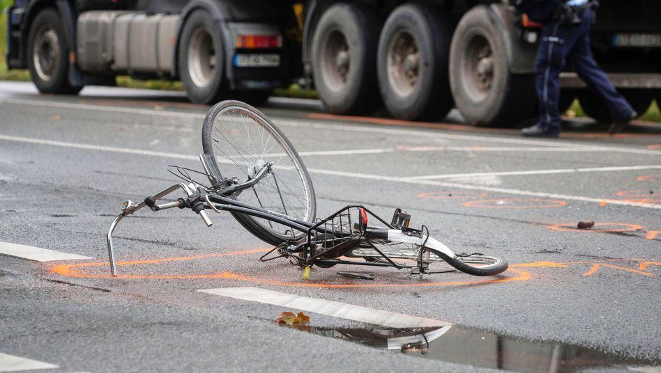 Die Zahl der Verkehrstoten sinkt zwar insgesamt, doch immer mehr Radfahrer sterben auf Deutschlands Straßen