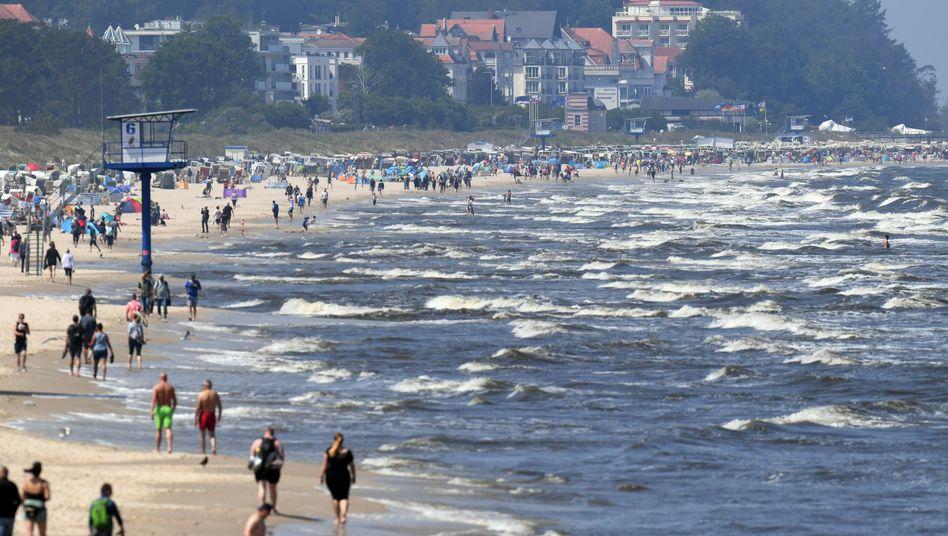 Beim Baden in der Ostsee können sich Urlauber mit Vibrionen infizieren