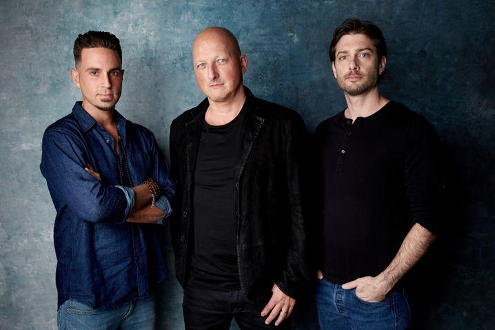 (v.l.n.r.) Wade Robson, Regisseur Dan Reed und James Safechuck