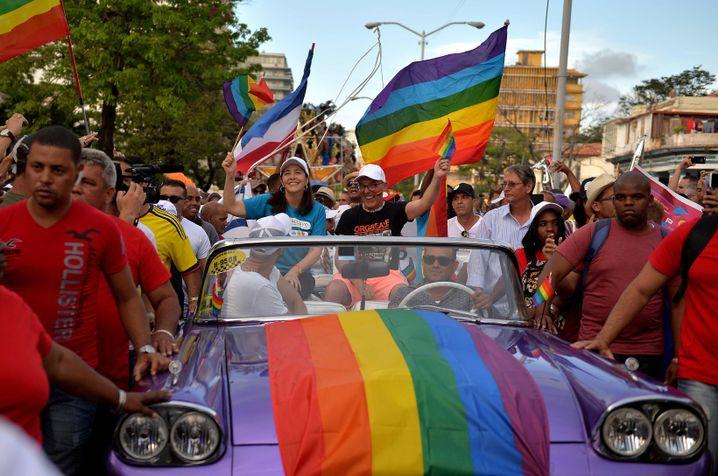 Mariela Castro (blaues T-Shirt), Tochter von Raúl bei einer Gay-Pride-Parade