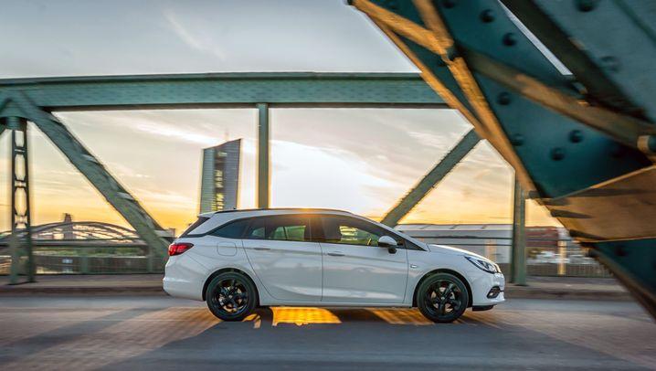 Autogramm Opel Astra Sports Tourer: Ab sofort nur Dreizylinder