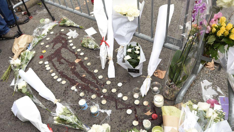 Blutspuren vor dem Bataclan: Paris trauert