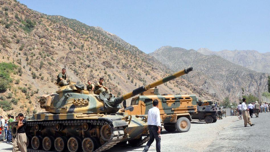 Panzer der türkischen Armee (Archivbild): Verstärkt Kämpfe zwischen PKK und Militär