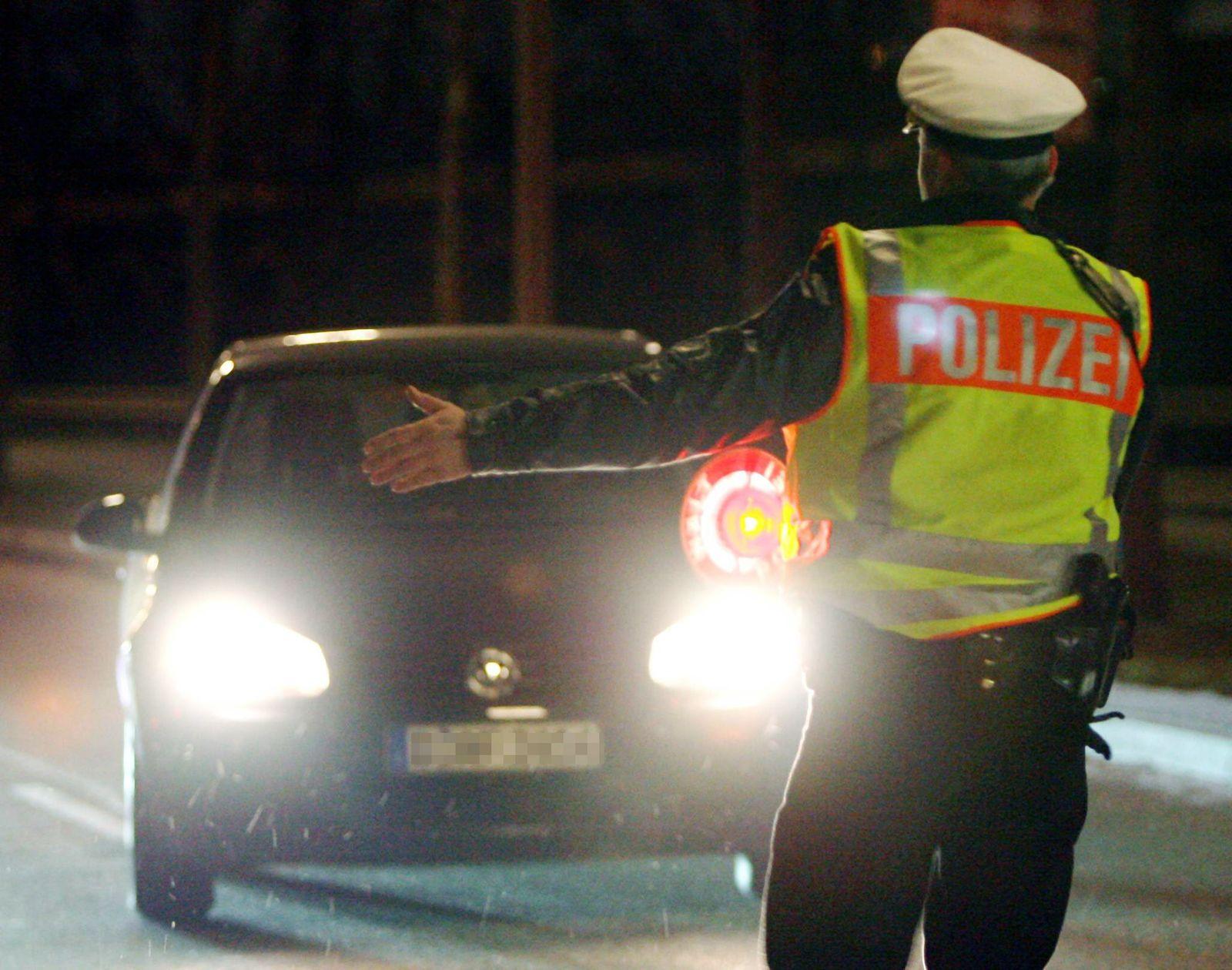 Polizeikontrolle/ Fahrzeugkontrolle