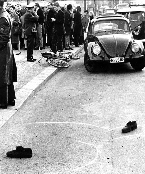 Mit drei Schüssen niedergestreckt: Anschlag auf Dutschke am 11. April 1968