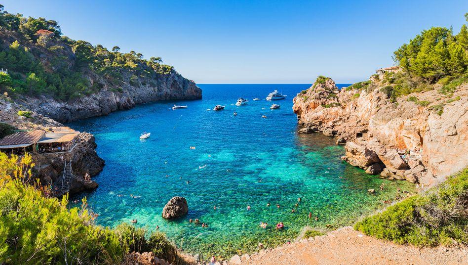 Cala Deia, Mallorca: Wen möchten Sie an Weihnachten zum Reisen inspirieren?
