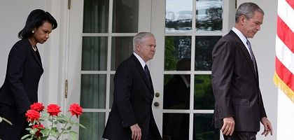 Hands tied: Condoleezza Rice, Robert Gates and George W. Bush are not interested in seeing an escalation in the crisis with Russia.