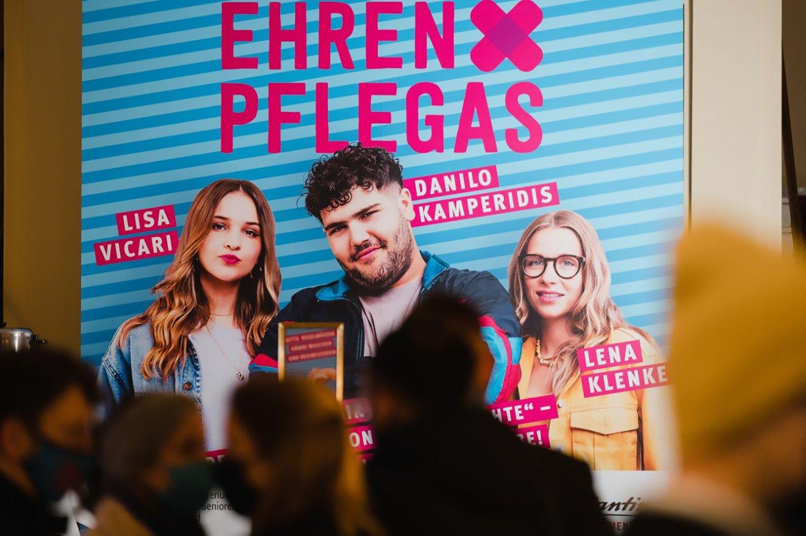 Ehrenpflegas / Premiere