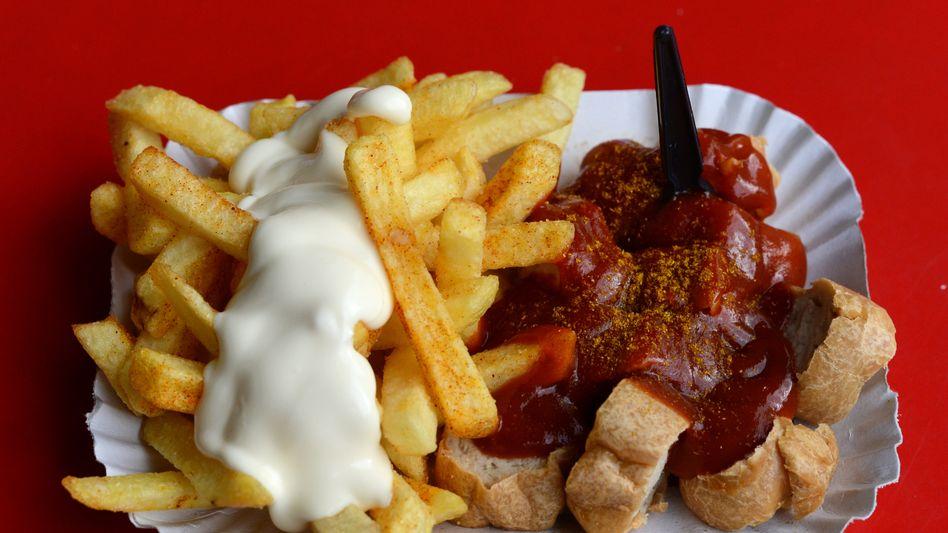 Currywurst und Pommes: Ungesunde Ernährung und wenig Bewegung sind die größten Risikofaktoren für Typ-2-Diabetes