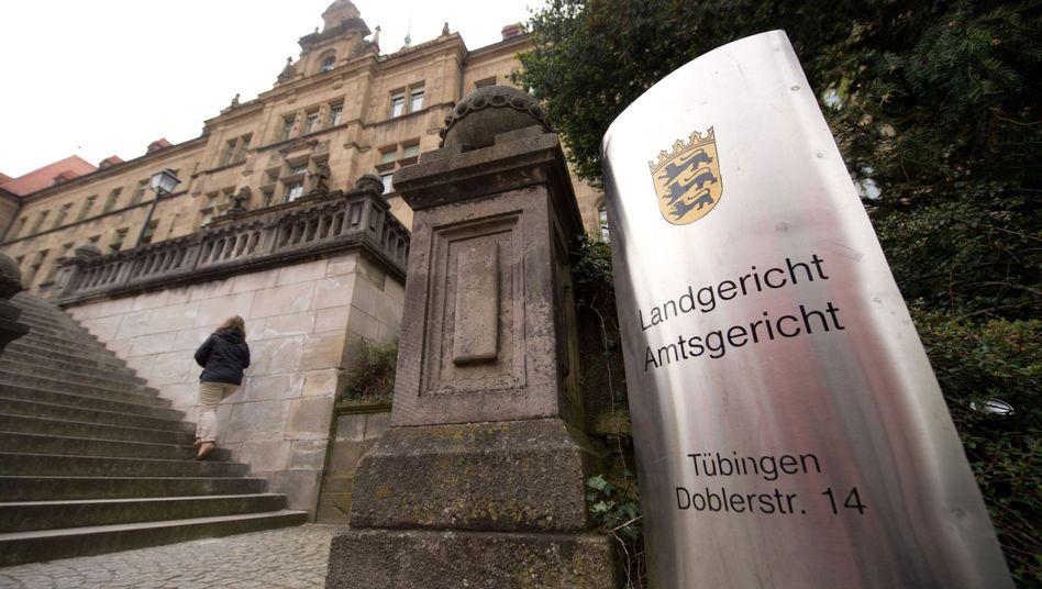 """Landgericht Tübingen: """"Mühsames Verfahren mit unzähligen Indizien"""""""