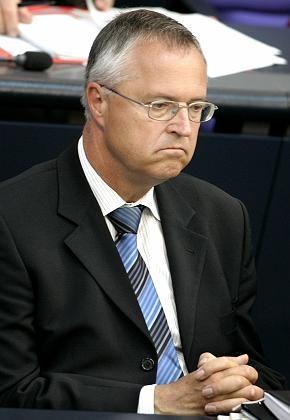 Finanzminister Eichel: Er will von Sparplänen nichts gewusst haben
