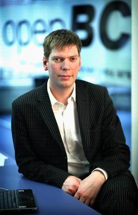 OpenBC-Gründer Hinrichs: Schwarze Zahlen im ersten Quartal 2006