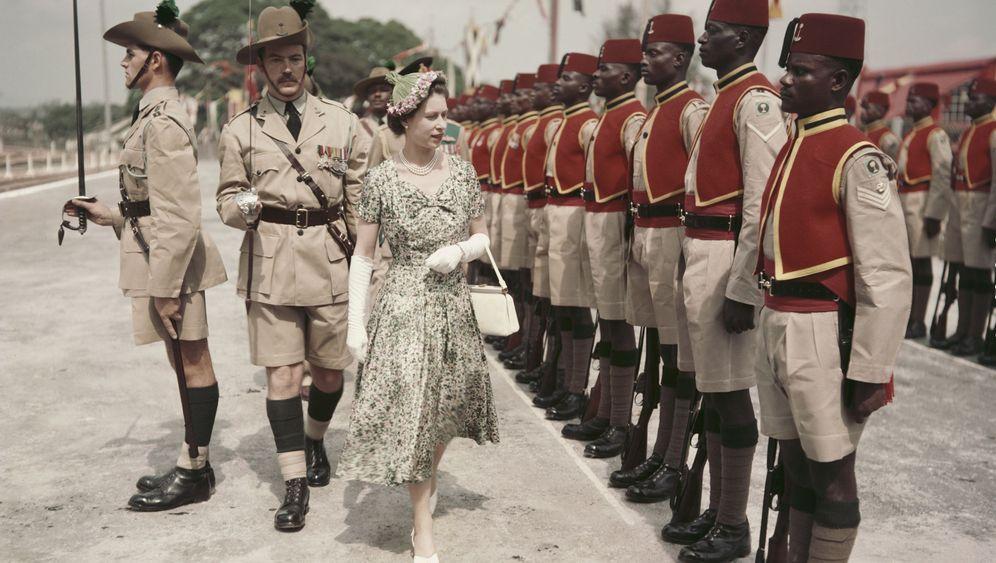 Fotostrecke: 90 Jahre Queen-Style