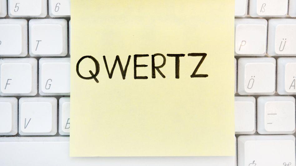 QWERTZ: Die Zeichenfolge zählt zu den beliebtesten Passwörtern 2019 - und darf damit als unsicher gelten