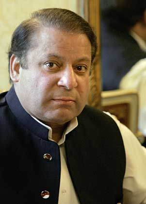 """Former Prime Minister of Pakistan Nawaz Sharif wants to see a major uprising against the """"uniformed president."""""""