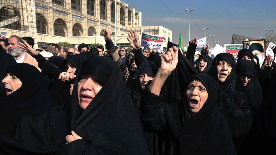 Regime-Unterstützer in Teheran am 30. Dezember: »Wir wachen langsam auf«