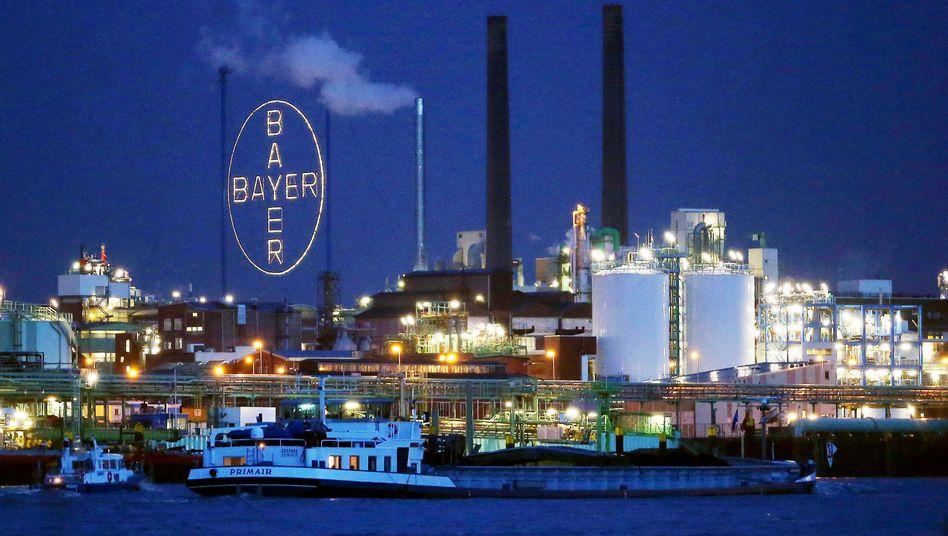 Werk der Bayer AG im Chemiepark in Leverkusen