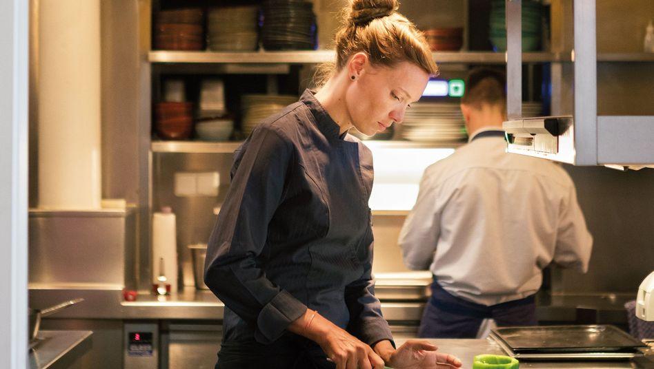 """Sophia Rudolph, 30, war Souschefin im Berliner Sternerestaurant """"Rutz"""", ehe sie ins """"Panama"""" wechselte. Seit 2016 ist sie dort Küchenchefin."""