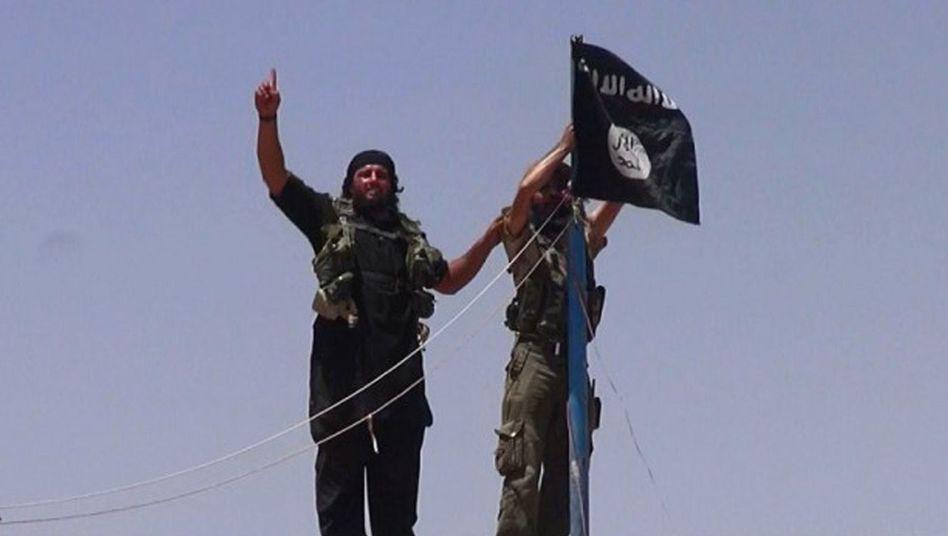 """Jubelnde Isis-Anhänger: """"Das Zeitalter des islamischen Staats ist gekommen"""""""